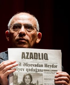 Rahim Haciyev, then acting editor-in-chief of Azerbaijani newspaper Azadliq in accpting the Index on Censorship Freedom of Expression Journalism Award in 2014 (Photo: Alex Brenner for Index on Censorship)